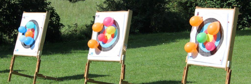 Luftballons auf den Scheiben in Agawang
